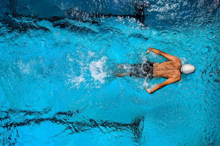 Plavecké bazény, aquaparky, lázeňská zařízení, wellness centra