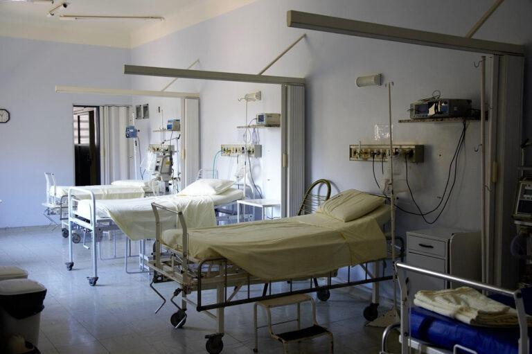 Nemocnice apolikliniky, domovy důchodců, ústavy sociální péče